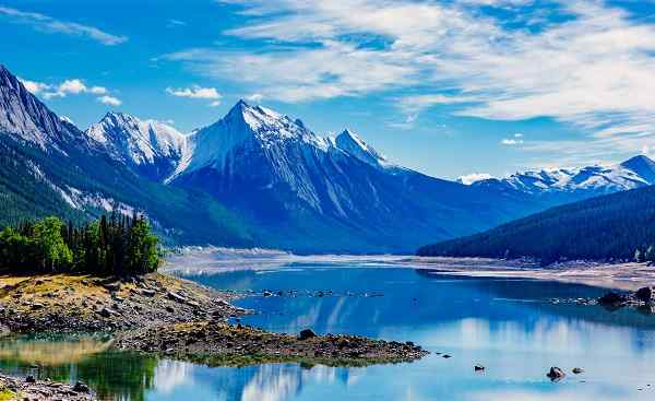 CAD-WEST-TESLA Medicine Lake is located within Jasper National Park Alberta, Canada
